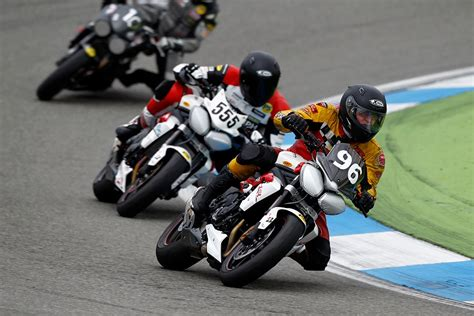 Motorrad Anf Nger Cup by Triumph Cup Und Triumph Challenge 2014