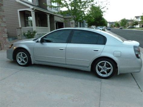 nissan altima gas type purchase used 2005 nissan altima se r sedan 4 door 3 5l 6