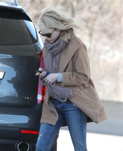 emma stone car emma stone photos photos emma stone fills up her car in