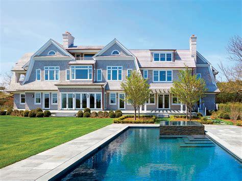 Renovating Versus Building: Hamptons Real Estate Experts