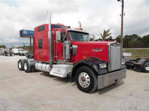 kenworth studio sleeper sofa kenworth w900l 2007 sleeper semi trucks