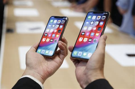 apple s bigger iphone xs is getting slammed for sexist