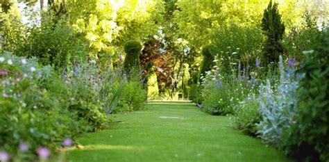 Charmant Creer Un Jardin Mediterraneen #6: Espace-vert.jpg