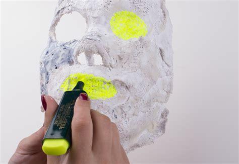How To Make A Paper Mask Step By Step - how to make a carnival mask 12 steps with pictures