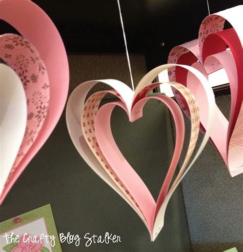 Paper Craft Hearts - 25 easy paper projects the crafty stalker