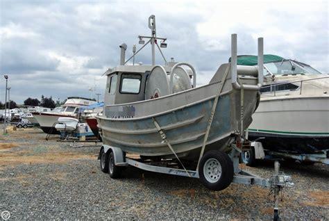 bowpicker boat 1988 used schreib 24 aluminum bowpicker cruiser boat for