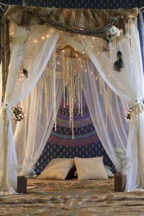 rideaux lit baldaquin 1001 d 233 co uniques pour cr 233 er une chambre hippie