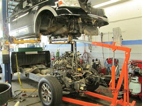 how do you remove an engine out of a 2012 bentley continental flying spur for this 2005 ford to gain access to exhaust manifolds to