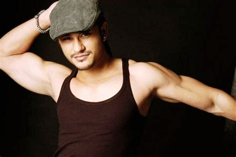 actor vijay cell phone number kunal khemu contacts number customer care numbers toll