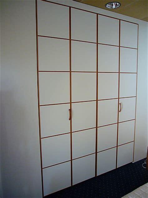 kleiderschrank mit fächern kleiderschr 228 nke armadio kleiderschrank mit faltt 252 ren sma
