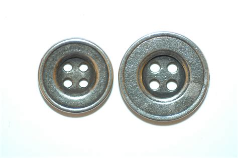 metal batton silver metal button