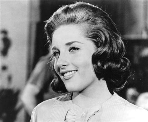 its my party singer lesley gore dies at 68 r i p lesley gore singer of it s my party has died at