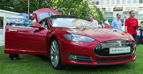 Tesla Entry Level Tesla Model S 70d Ups The Price Of Owning An Entry Level