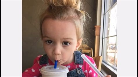 Chloe Internet Meme - saiba como est 225 chloe a menininha que virou meme na