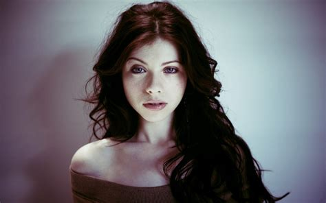 wallpaper hd for desktop of actress michelle trachtenberg desktop wallpaper 51506 1920x1200 px