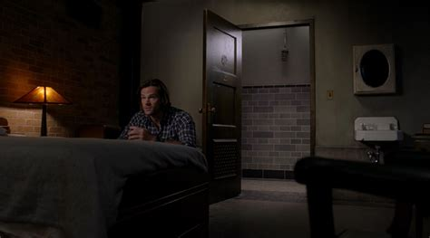 supernatural bedroom file samspraysinhisrooms11 jpg super wiki