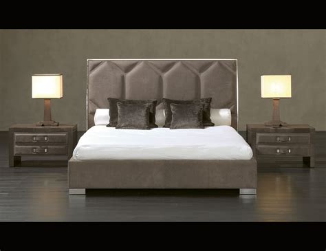 In Bed by Nella Vetrina Rugiano Souffle 2040 Upholstered Bed