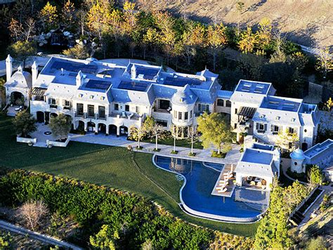tom brady s new house gisele bundchen tom brady s new 20 million house see photos people com