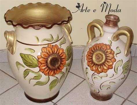 vasi di terracotta vasi di terracotta con girasole in rilievo per la casa e