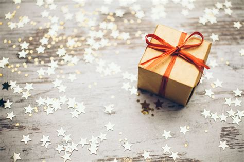 christmas gift ideas for workmate top 10 gift ideas for your event colleagues eventbrite uk