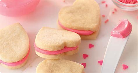 valentines shortbread shortbread cookie sandwiches recipe dishmaps