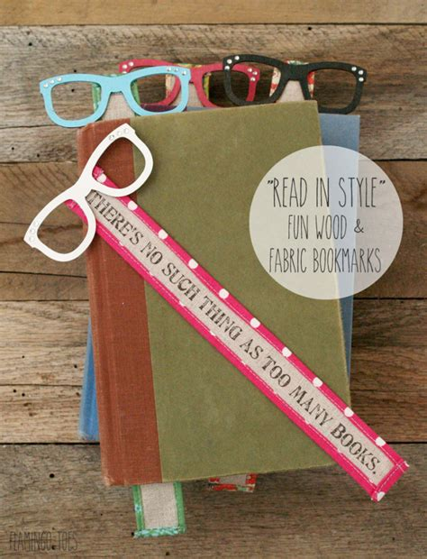 Easy Handmade Bookmarks - read in style wood and fabric bookmarks