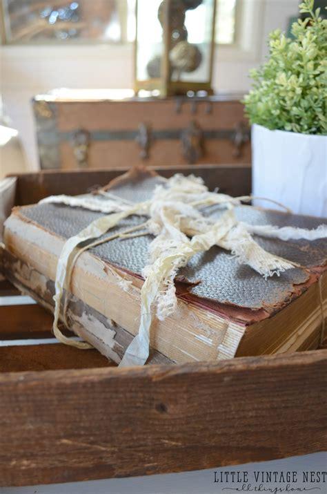 ways  decorate   books  vintage nest