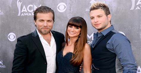 country music trios country music trio gloriana has some news you won t wanna
