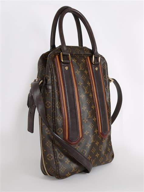 louis vuitton bequia vertical large messenger monogram