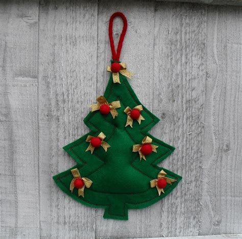christmas tree felt wall ornament by puppetsinabag craftsy