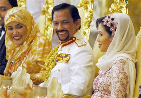 sultan hassanal bolkiah wives foto istana brunai check out foto istana brunai cntravel