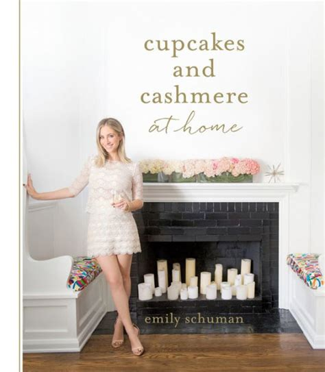 libro cupcakes and cashmere at cupcakes and cashmere at home by emily schuman hardcover barnes noble 174