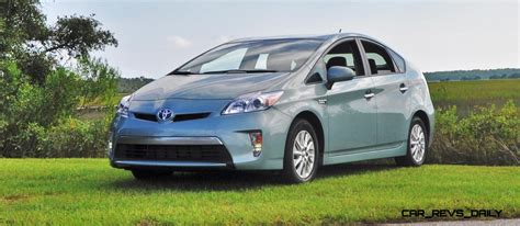 toyota japan website 2014 toyota prius plug in hybrid gets facelift in japan