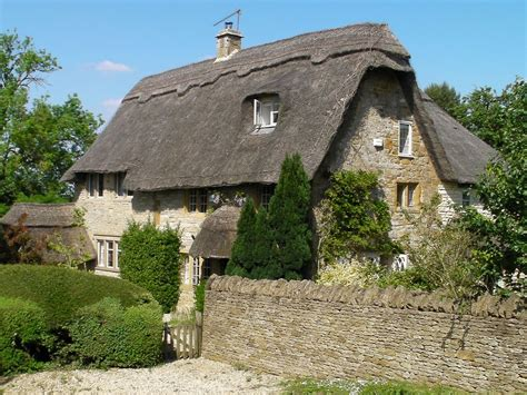 17th Century Cottage by Fox End Gorgeous Large 17th Century Thatched Cottage In