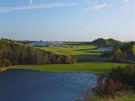streamsong red top  golf     backyard
