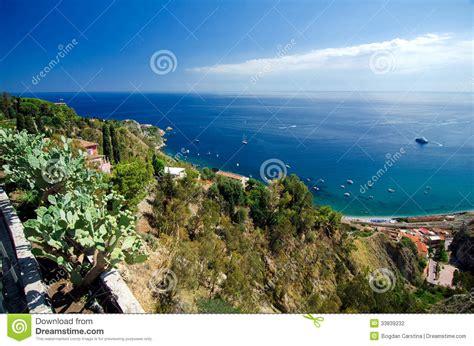 fotografie giardini taormina en giardini naxos stock fotografie afbeelding