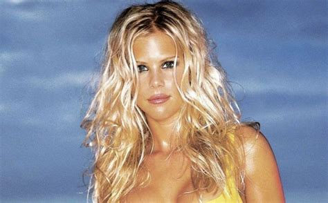 Tiger May Sue Mag For Elin Nordegren Pics by The New Of Tiger Woods S Ex After Divorce