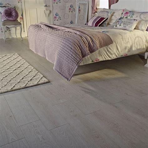 kräuter fensterbank innen parkett grau eiche schlafzimmer kombination puderrosa