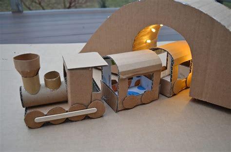 manualidades hechas con carton de animales 10 manualidades para ni 241 os con cajas de cart 243 n decopeques