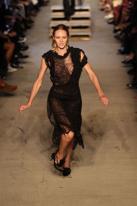 s runway secret memorable runway tumbles by supermodels the years