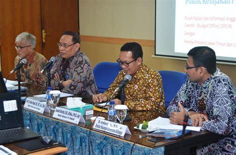 Universitas Airlangga 1 unair academicians gives recommendations on rapbn p 2016
