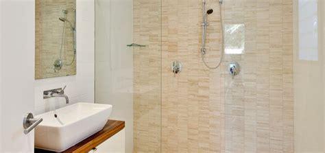 bagni piccolo soluzioni soluzioni e consigli per arredare un bagno piccolo casa it