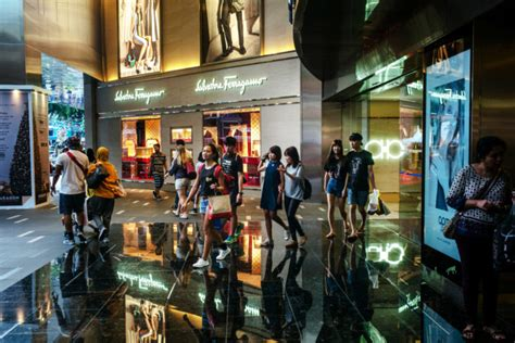 faces challenge from malls alibaba in singapore