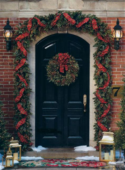 elegant xmas wreaths and garlands christmas garland
