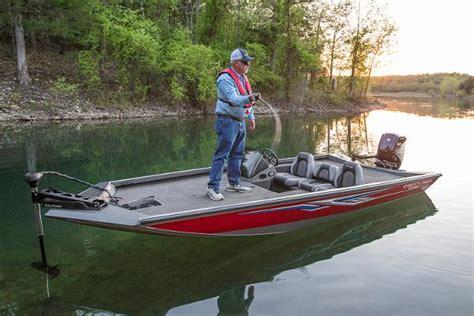 crestliner boat dealers texas crestliner vt17 boats for sale in texas