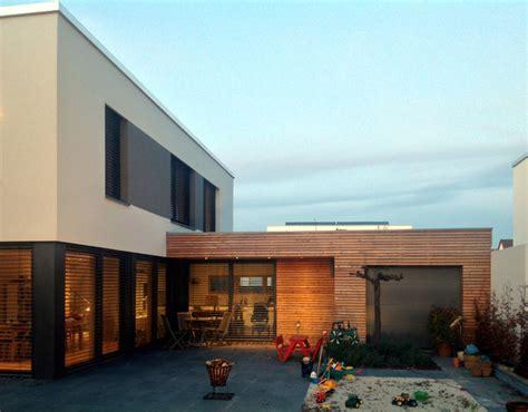 terrasse unterkellern eingeschossiger anbau mit k 252 che und garage bauhaus look