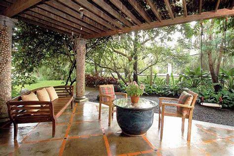 desain rumah nyaman dan asri desain teras samping rumah asri idenahrumah com