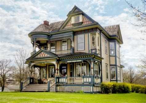 victorian homes pretty 114 years old victorian house digsdigs