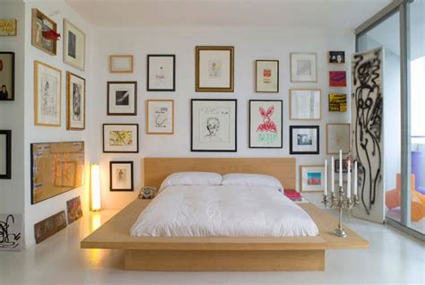 how to decorate a bedroom quadri in da letto fotogallery donnaclick