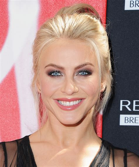 what type of hair does julianne hough have julianne hough 20s inspired hairstyle dwts cirque du